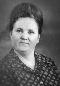 Бездухова (Непочатых) Мария Ивановна